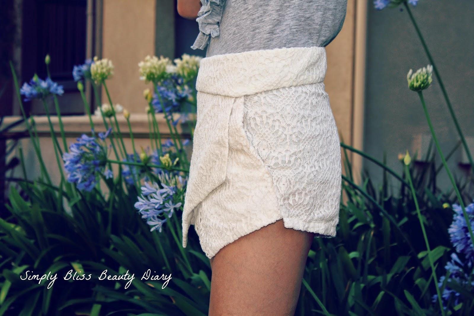 Mina white lace shorts like zara