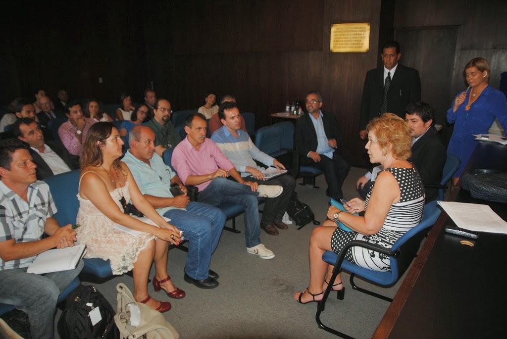 Marta Suplicy, Ministra da Cultura, ouviu atentamente o Fórum de Gestores de Cultura da Região Serrana e aprovou a iniciativa do Projeto Circulares