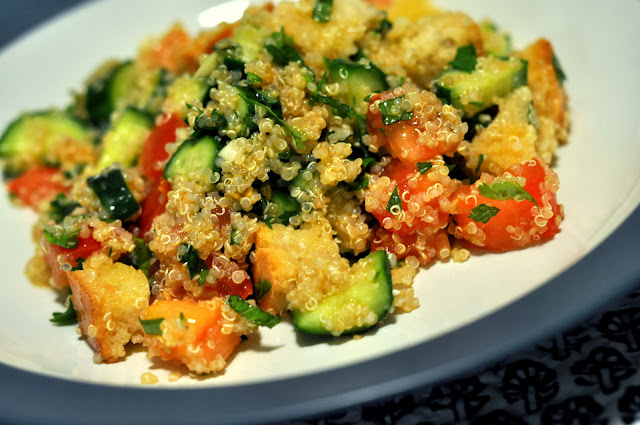 Quinoa-Salad-Sourough-Croutons-tasteasyougo.com