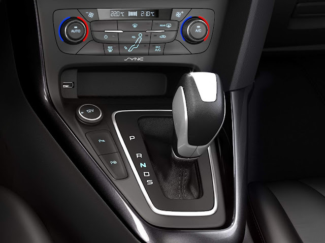 Ford Focus 2016 Fastback - Transmissão automática Powershift