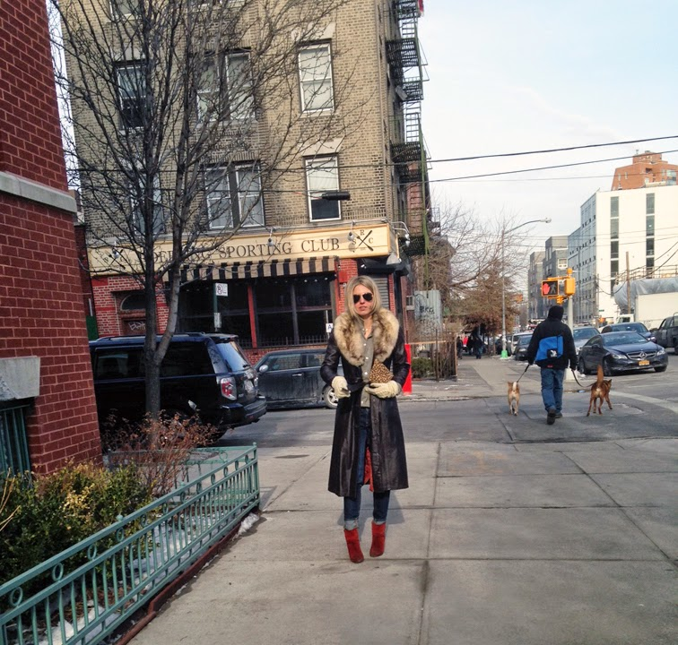 Leather trench coat, fur collar, J Brand jeans, red suede Rag & Bone boots, Ray-Ban aviators