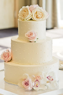 wedding cake, blush wedding flowers, crystal strands, Four Seasons, Seattle wedding, Flora Nova Design