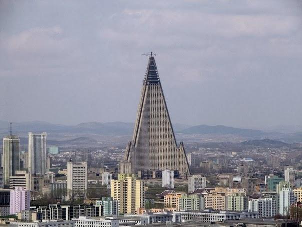 اغـــــــــــــــــرب 50 مبنى في العالم (الجــــــــــــزء 01) 23-ryugyonghotel-thu