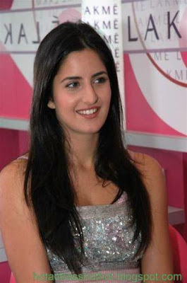 katrina kaif hot spicy pics in a top