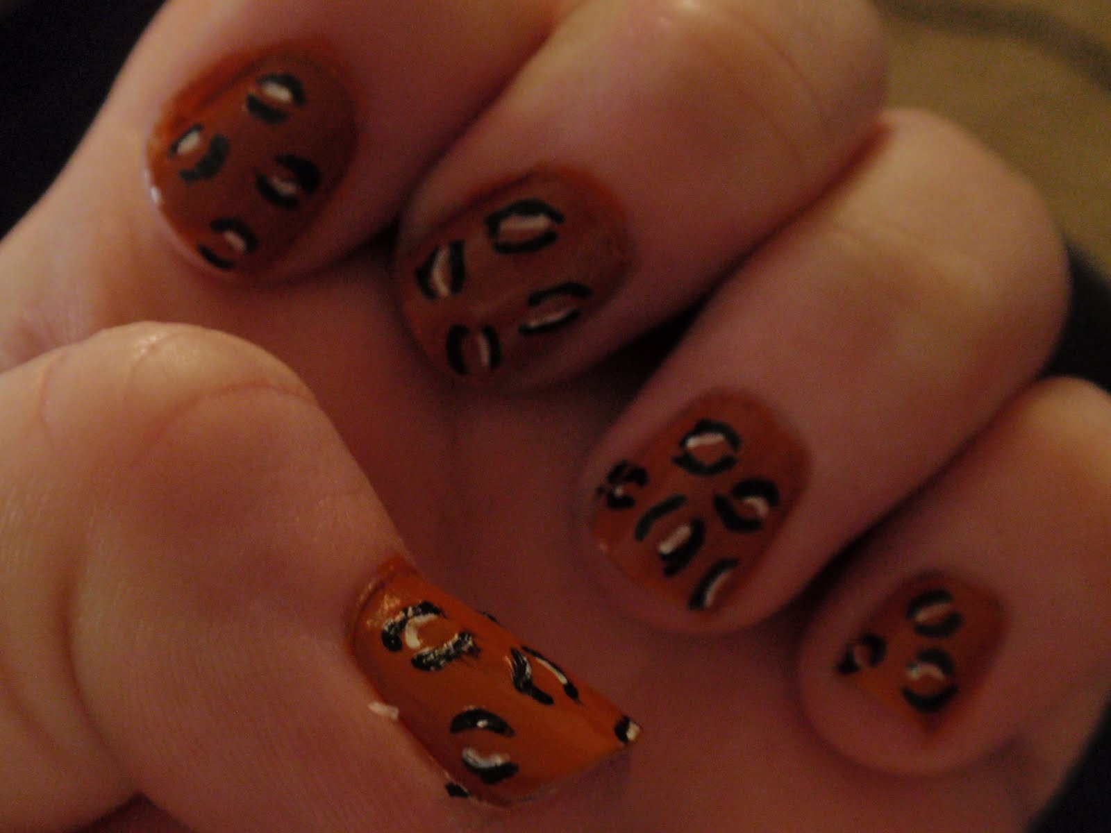 Adventures in LalaLand: Cheetah/Leopard Nails