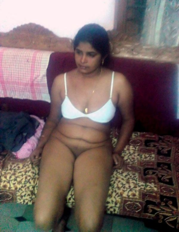 Mallu Girl Showing Cunt With Bra