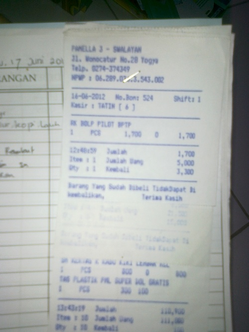 mengatur keuangan rumah tangga - klip nota belanja