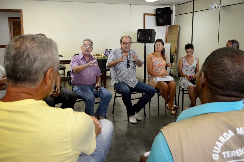 Representantes de diversas secretarias se reúnem para tratar da organização do Carnaval 2015 em Teresópolis