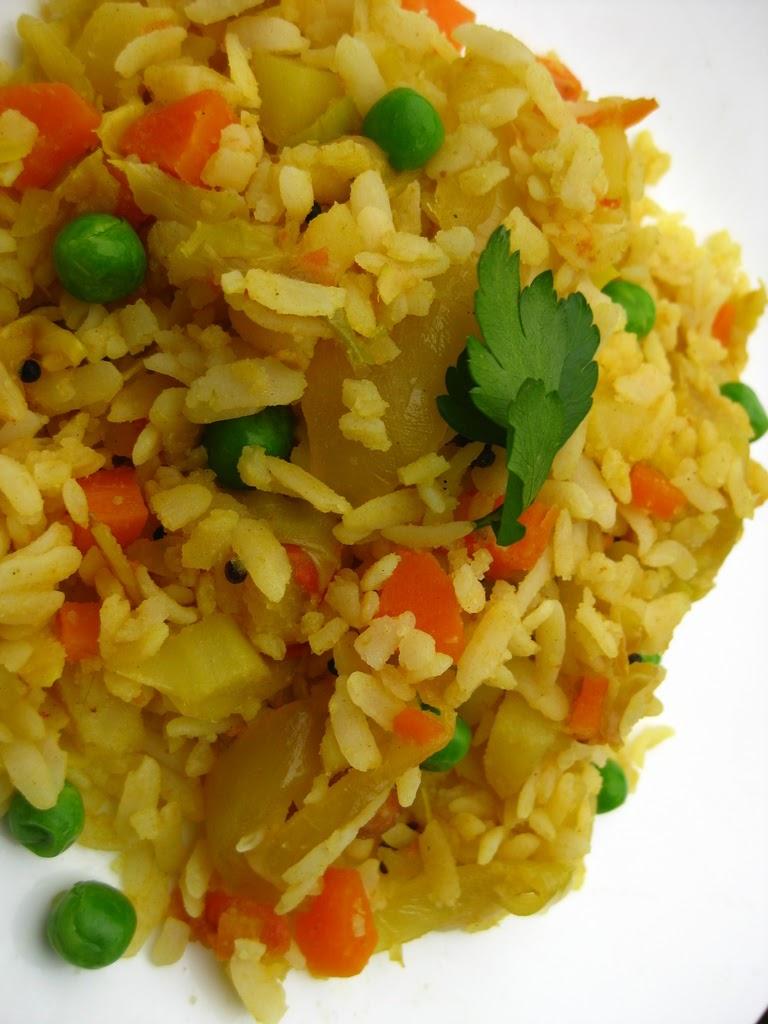 Shaina's Kitchen: vegetable POHA