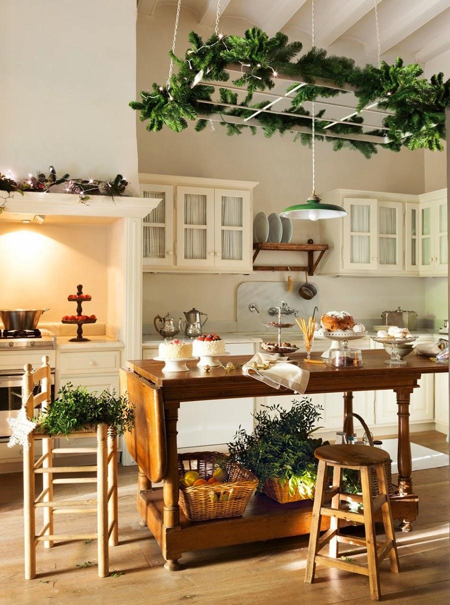 wystrój wnętrz, home decor, styl francuski, wnętrza, urządzanie mieszkania, Boże Narodzenie, Święta, zima, ozdoby świąteczne, styl francuski, białe wnętrza, biel, styl skandynawski, złote akcenty, choinka, kuchnia