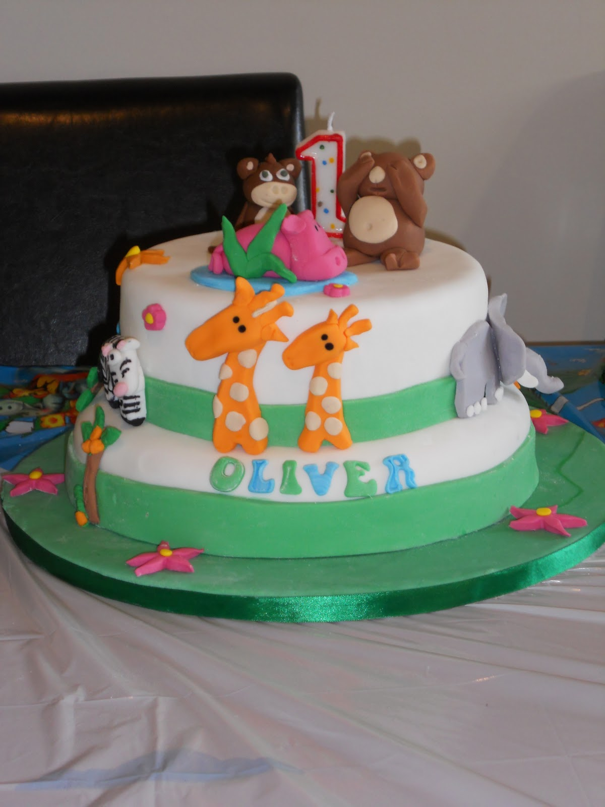 Nicolas Creative Cakes Jungle Cake Olivers 1st Birthday