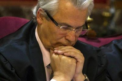 Espanha: BALTASAR GARZON SUSPENSO POR 11 ANOS