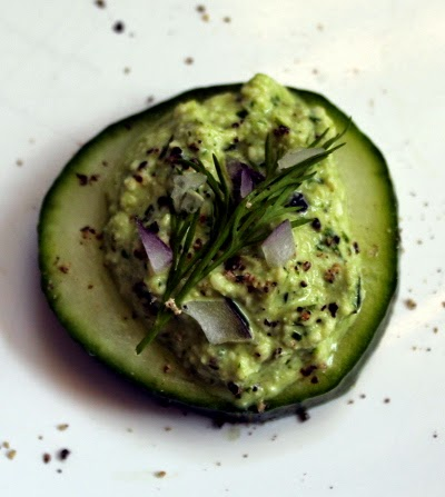 Cucumber cashew cheese bites with dill and red onion