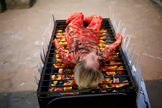 Barbecue Stand to Sleep on a Foreign Girl in Mumbai ...!