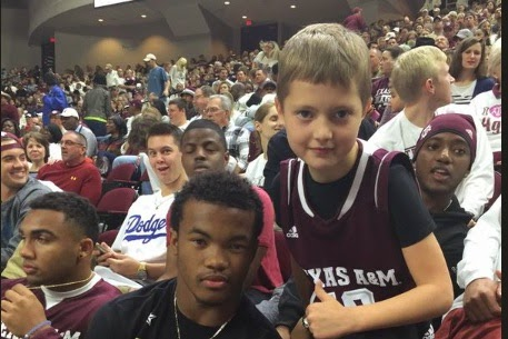 Kyler Murray falls victim to epic photobombing by Texas A M starting QB Kyle Allen.