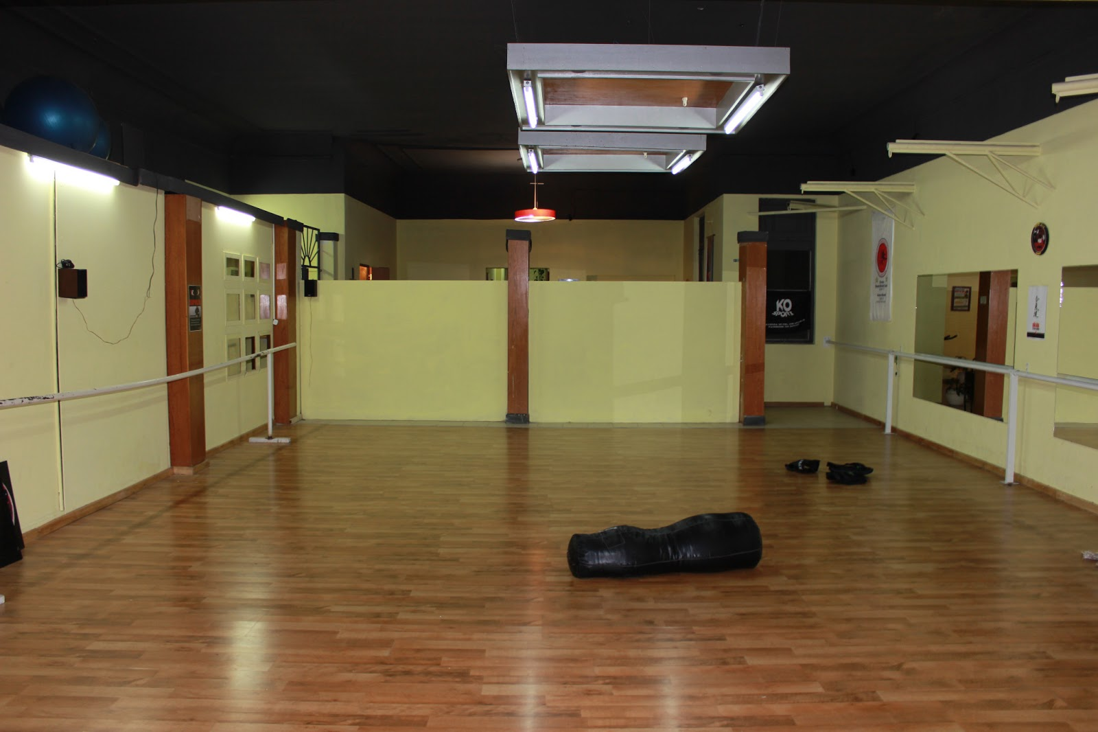 Clases y gimnasios en bahia blanca fitness gimnasia - Espejos para gimnasio ...