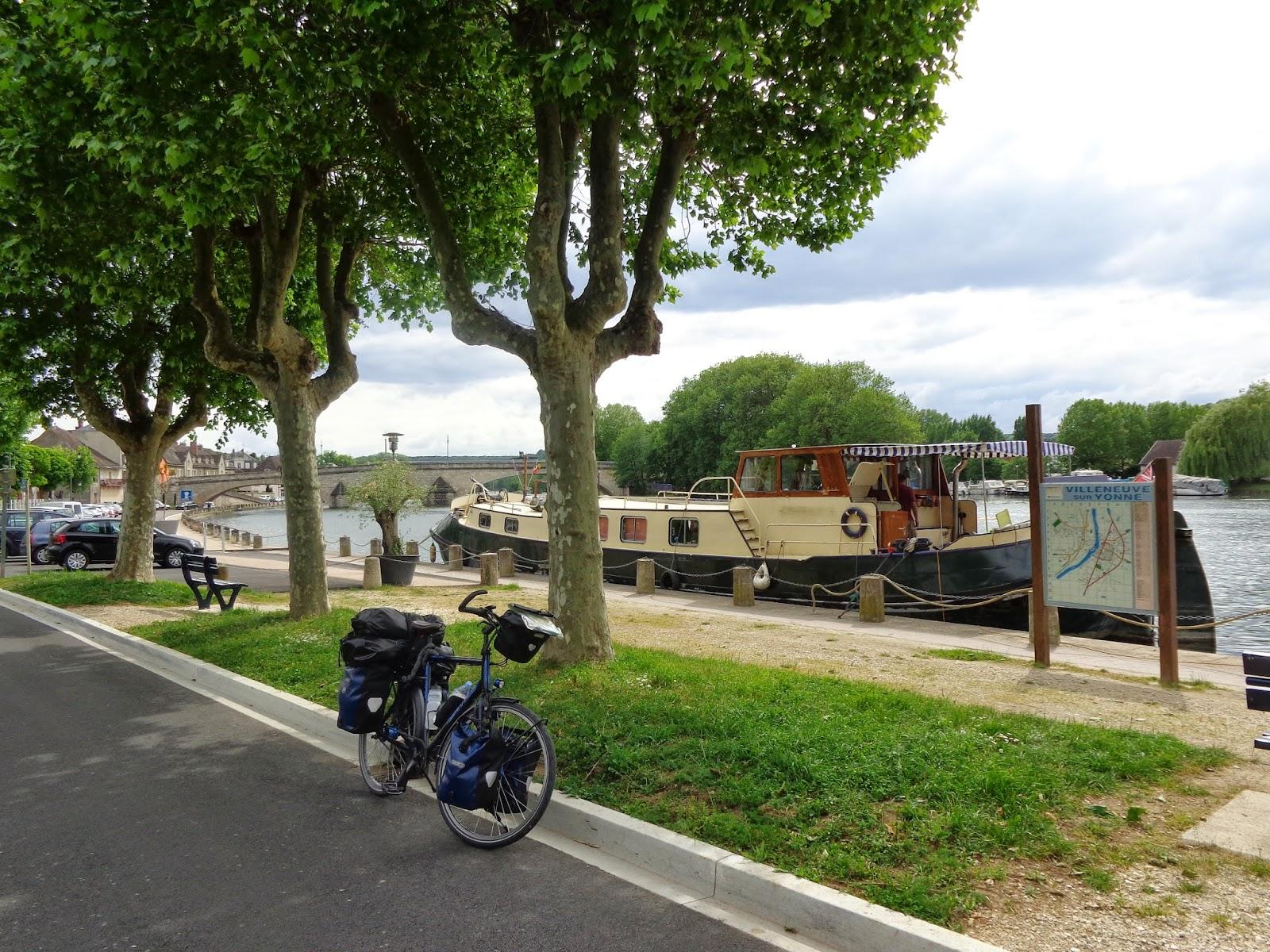 Fietsreizen qpo van grignon naar provins - Office du tourisme villeneuve sur yonne ...