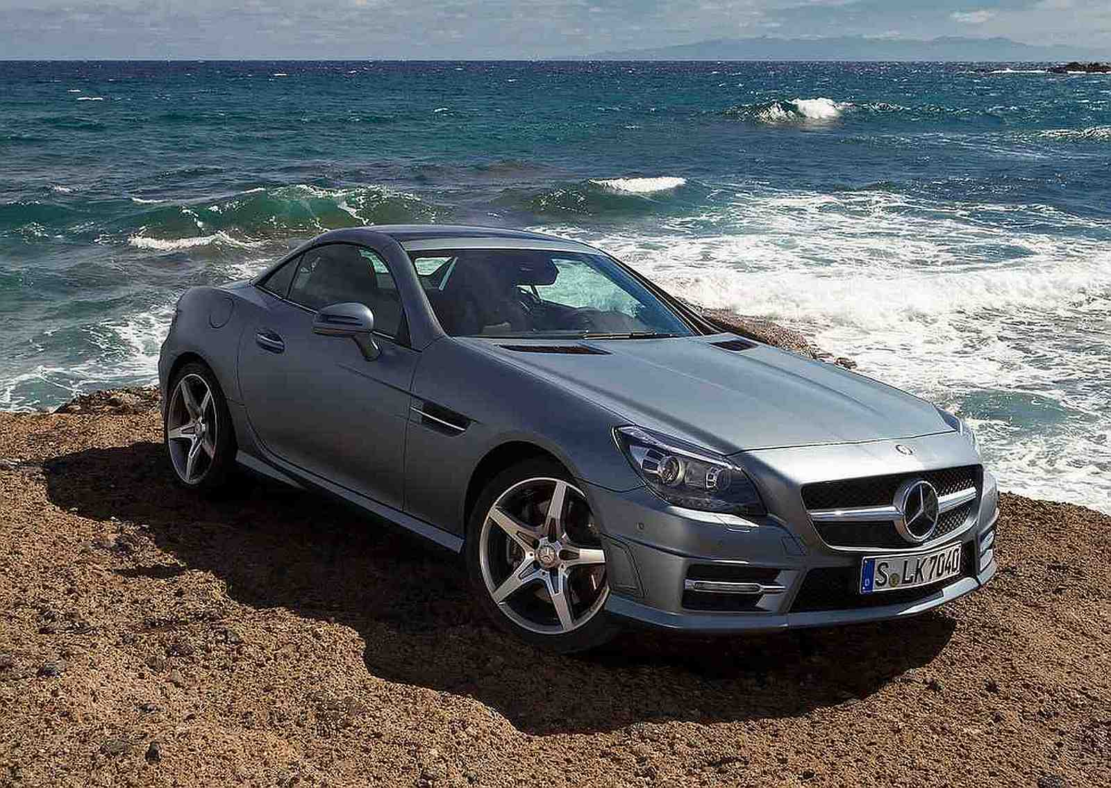 all car reviews 02 2012 mercedes benz slk350 the answer to stylish sedans today. Black Bedroom Furniture Sets. Home Design Ideas