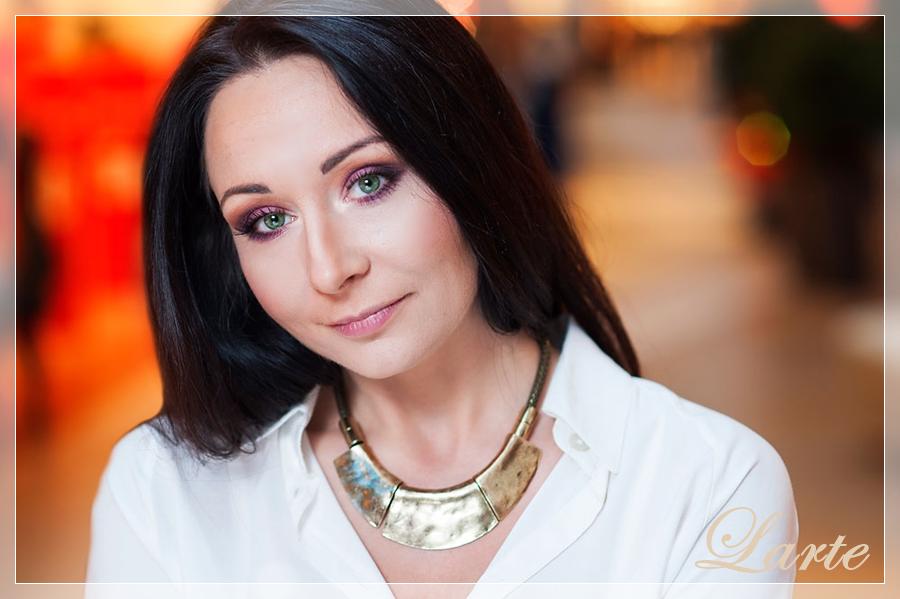 Anna Szymczak, oczy, makijaż, sesja, foto, bordo, masala