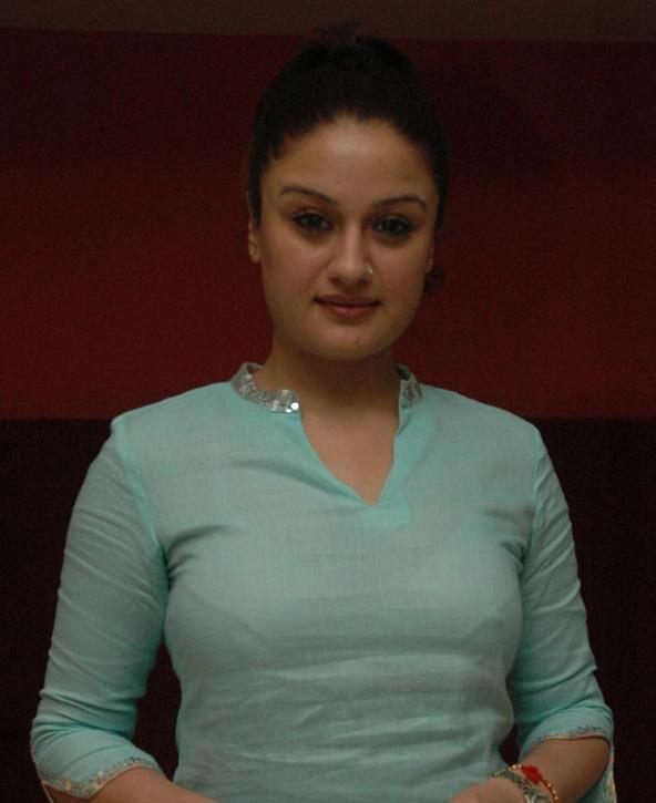 Sonia Agarwal Hot Photo Stills Gallery