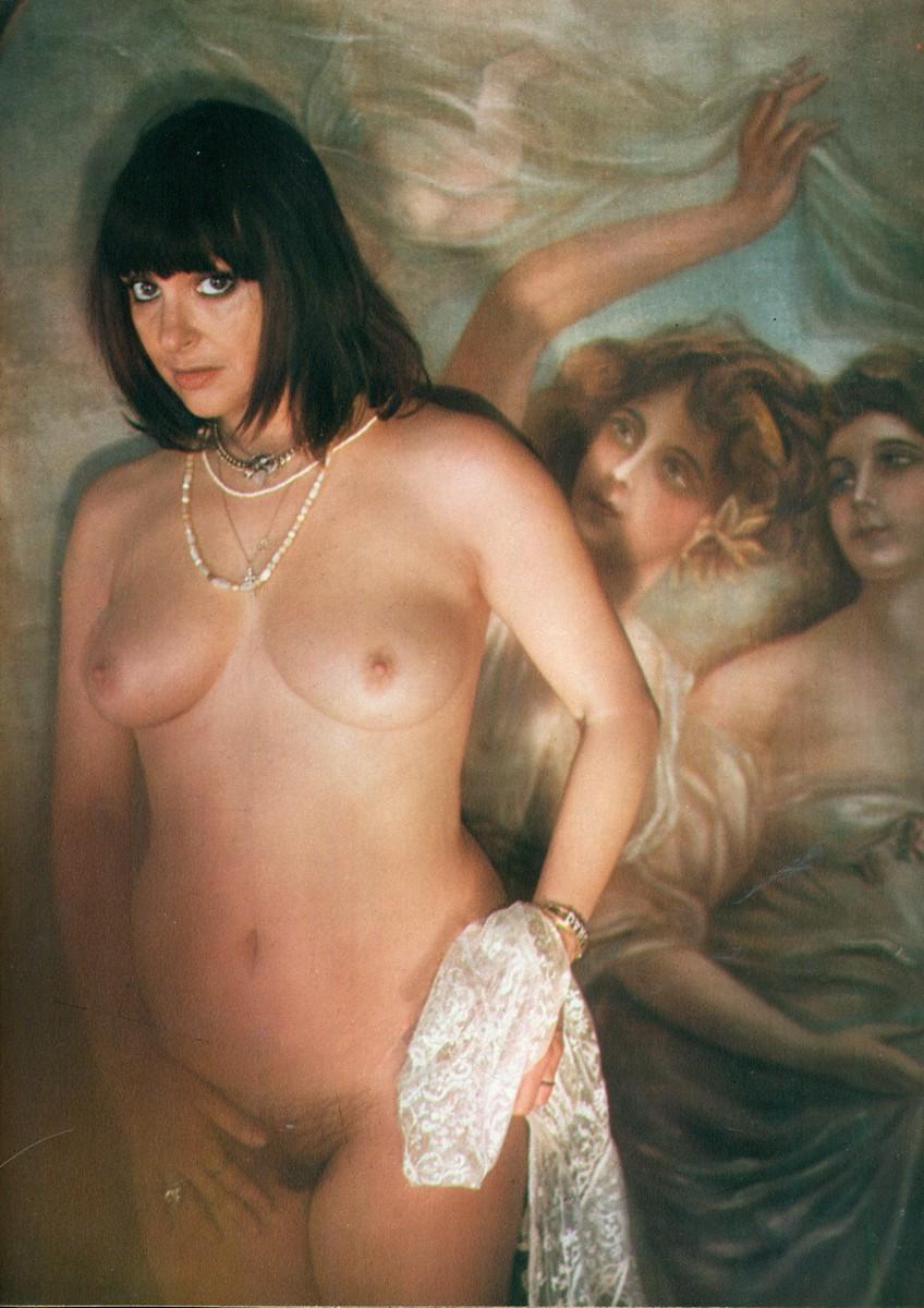 Amira casar nude - 1 part 9