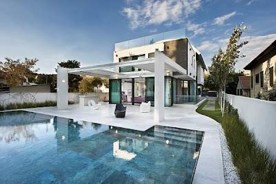 Rumah Mediterania Kontemporer 4