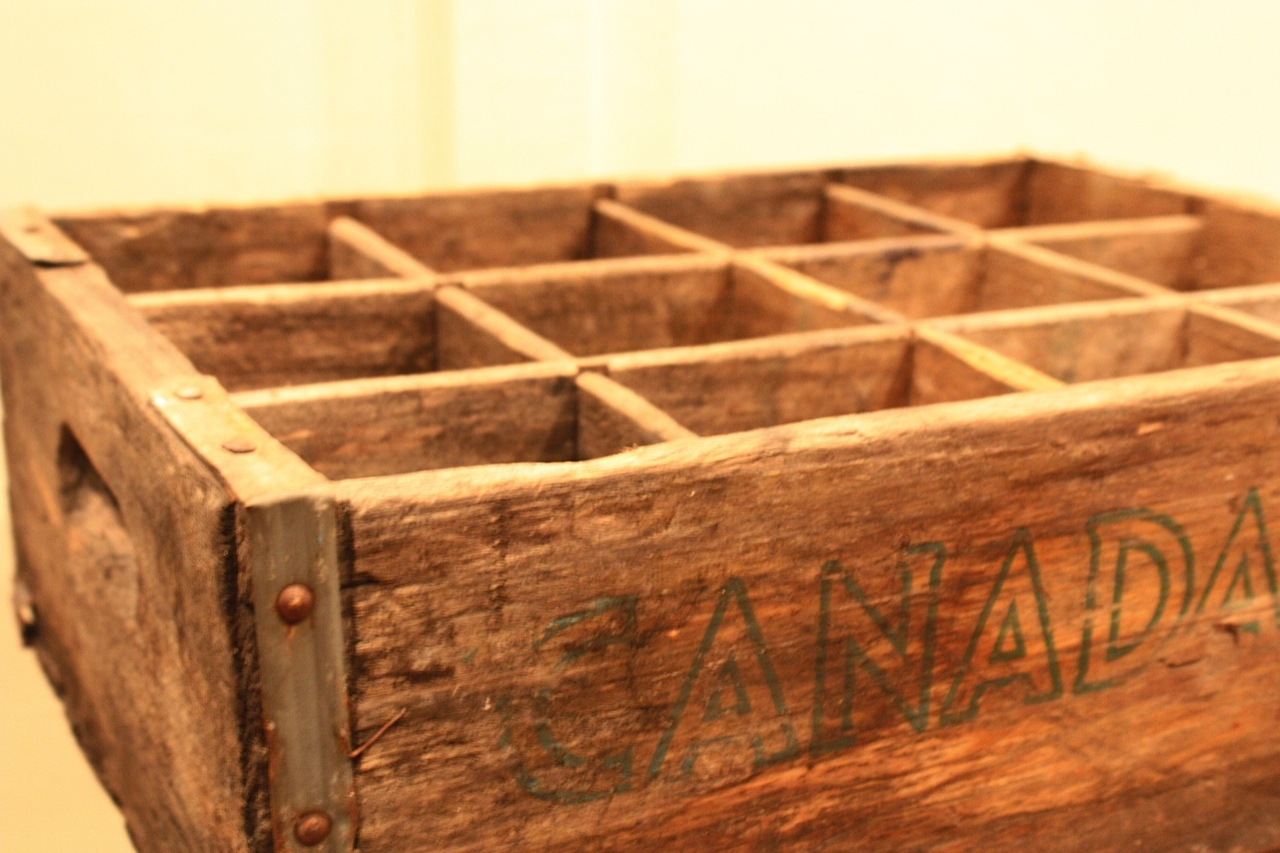 My sweet savannah vintage soda crates for Wooden soda crate ideas