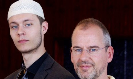 Putra Film Fitna Masuk Islam