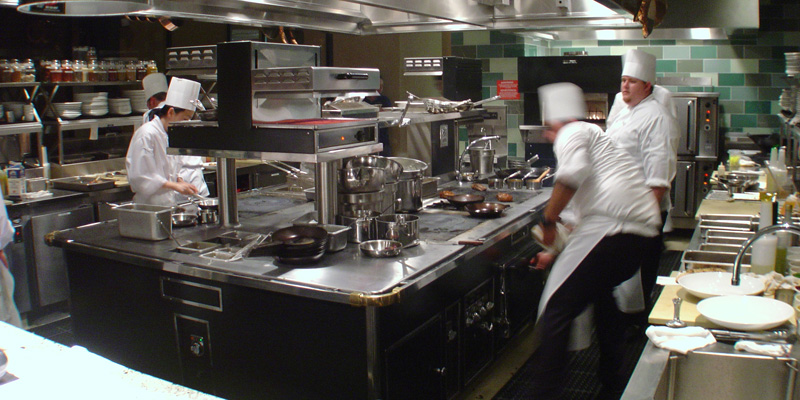 The best restaurant kitchen design afreakatheart for Best commercial kitchen designs