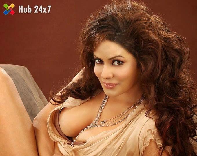 Sexy Actress Poonam Jhawar Hot Boobs and Nipple Visible - Hub 24x7