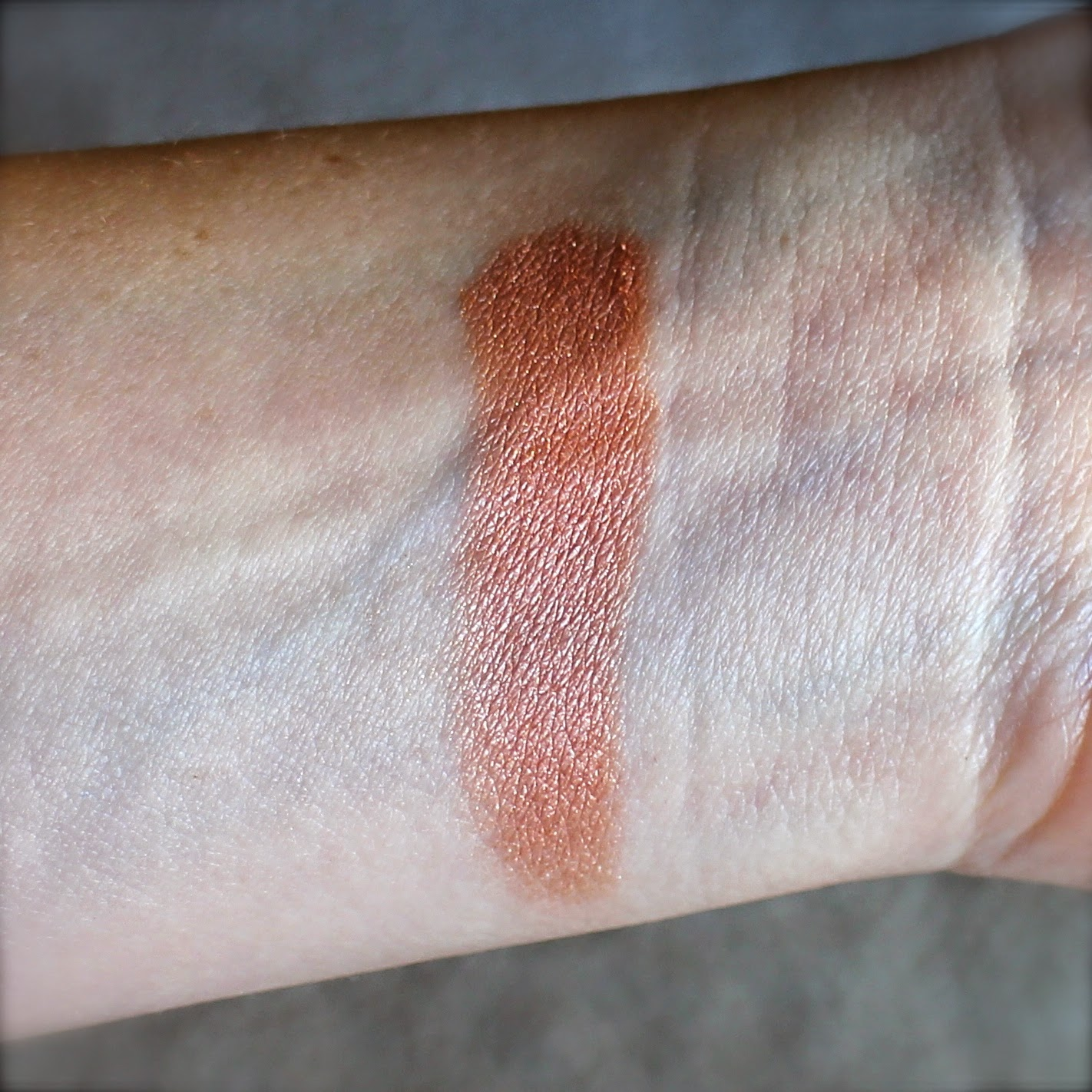 Becca Shimmering Skin Swatch
