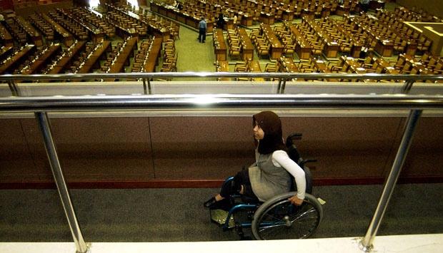 Tuntut Sahkan UU, Penyandang Disabilitas Konvoi ke Gedung DPR