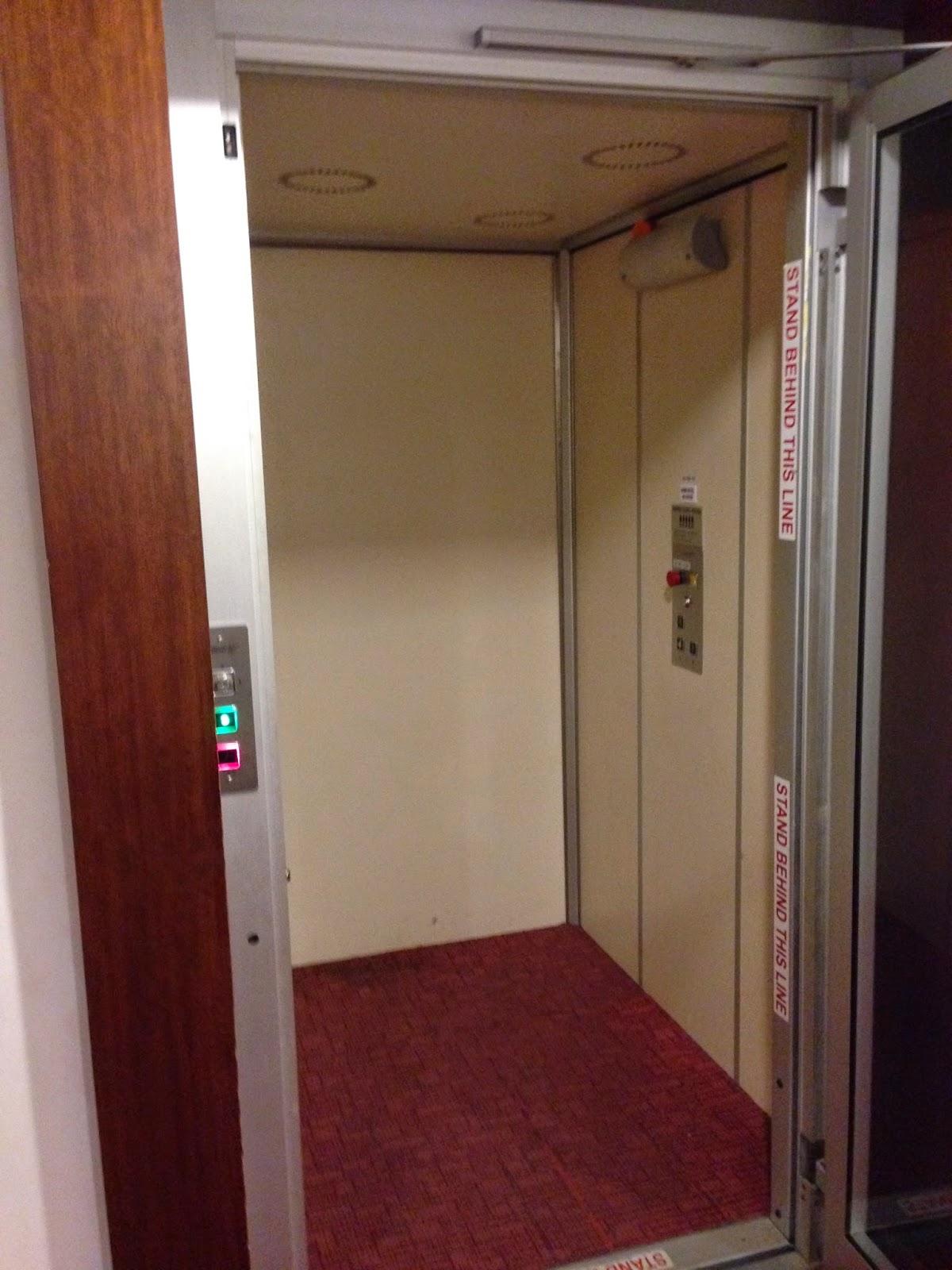 Elevator in Habib Hotel