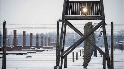 Cerca de un millón de judíos fueron ejecutados en Auschwit, junto a gitanos, discapacitados, disidentes y muchos otros prisioneros.
