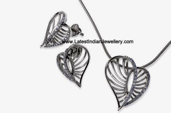 platinum heart pendant set