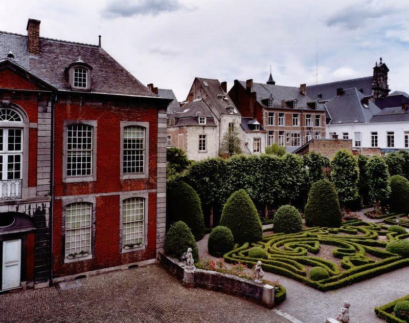 Jardin et cour d'honneur