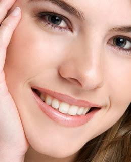 Wanita Cantik Pori Pori Wajah Kecil Halus dan Lembut
