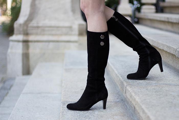 Vintage suede black boots