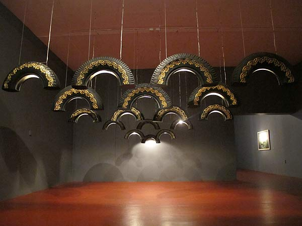 40 creative reused lamps and light designs for Uses for old tyres