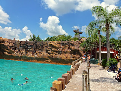 Typhoon Lagoon, Walt Disney World | Morgan's Milieu: A photo of one corner of the wave pool