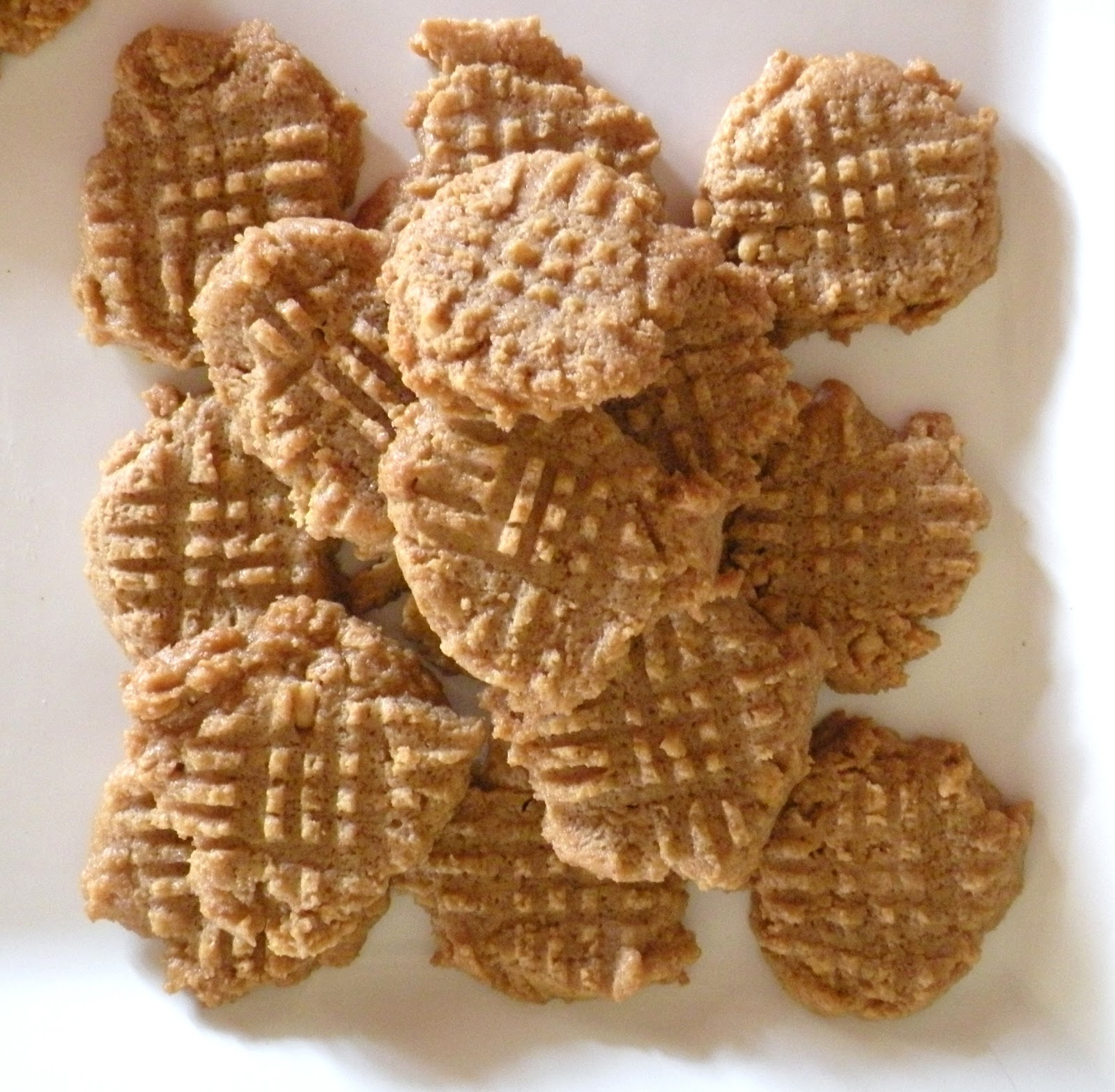 ... Easy Peanut Butter Cookies (Low Carb & Gluten Free) | Ditch The Wheat
