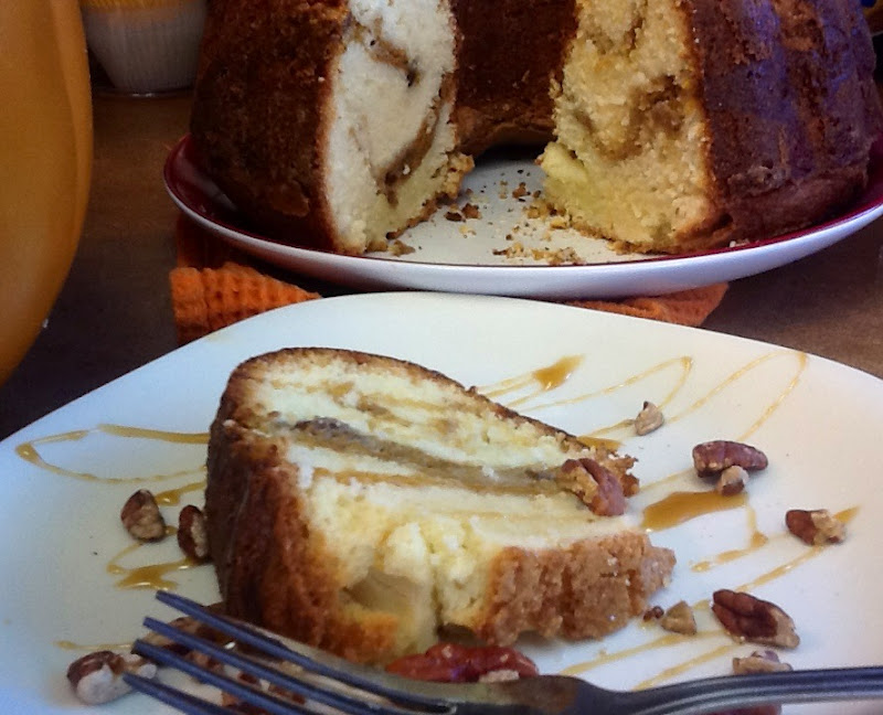 MorningNooNight: Cream Cheese Pound Cake with a Pumpkin ...
