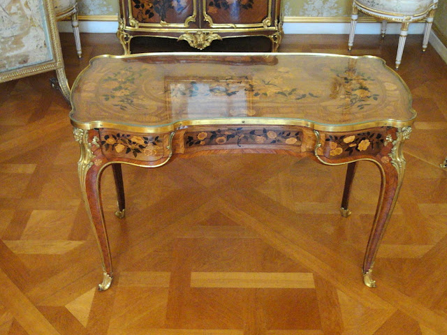 Жан Франсуа Эбен (Jean Francois Oeben or Johann Franz Oeben, 1721–1763), придворный мебельщик короля Людовика XV