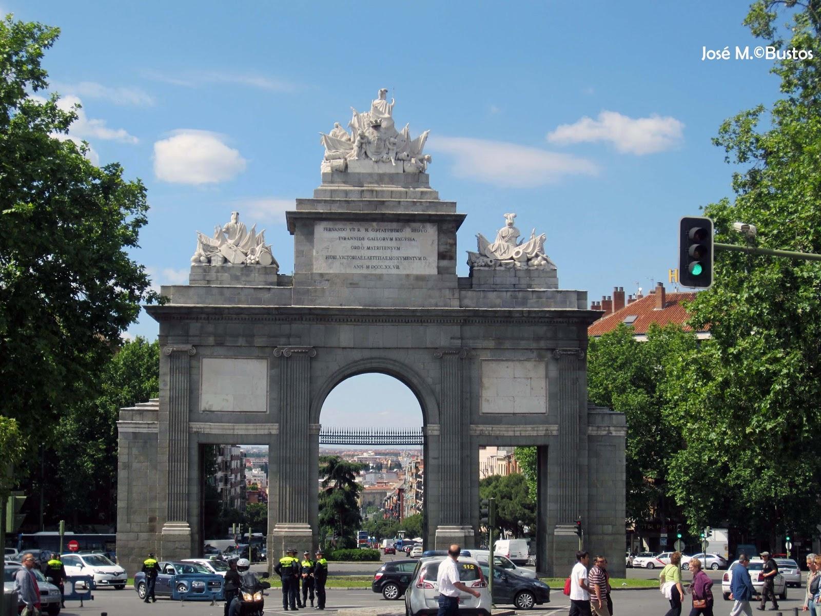 Miradas de madrid puertas monumentales de madrid en el for Shoko puerta de toledo