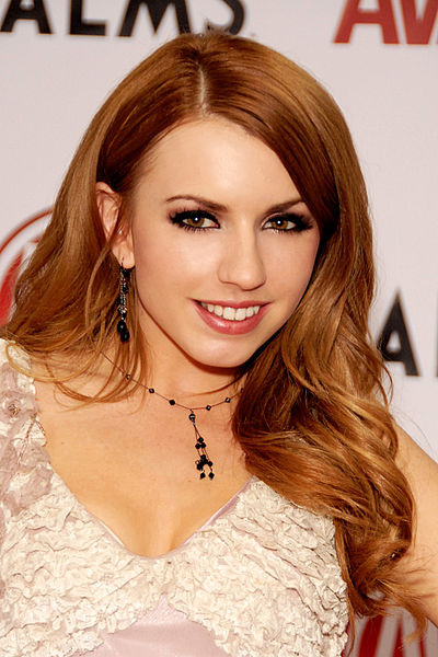 Lexi belle actress