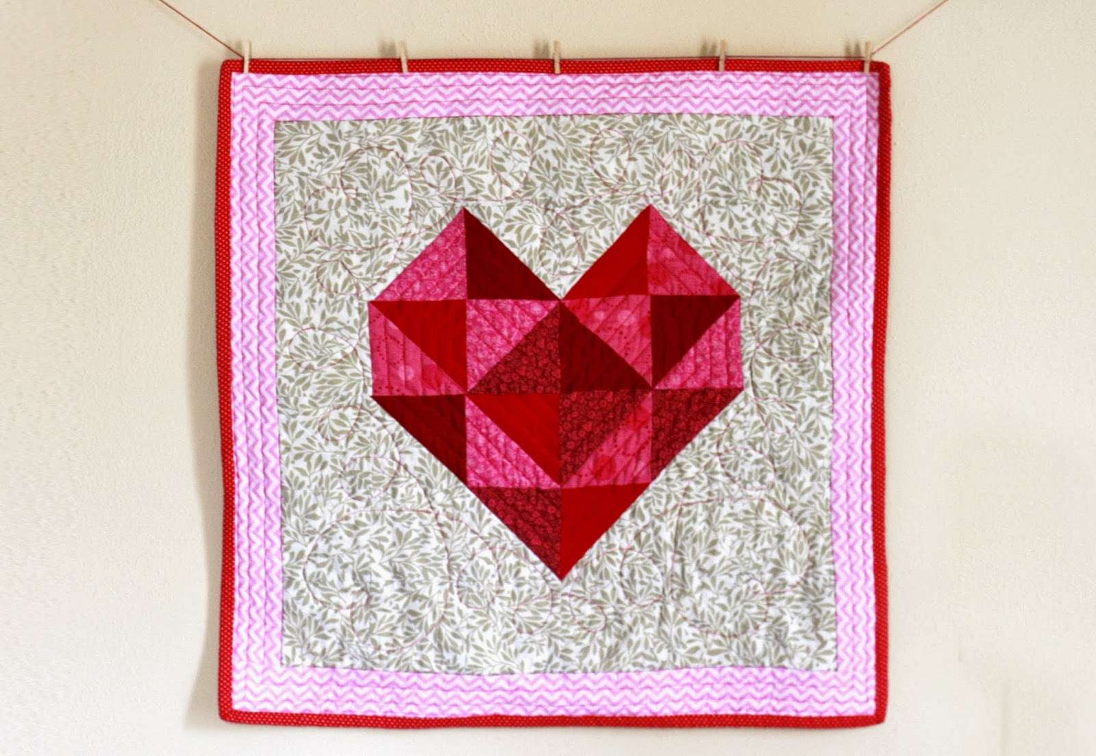 Quilt Patterns Heart Free : Quilt Inspiration: Free pattern day: Hearts and Valentines