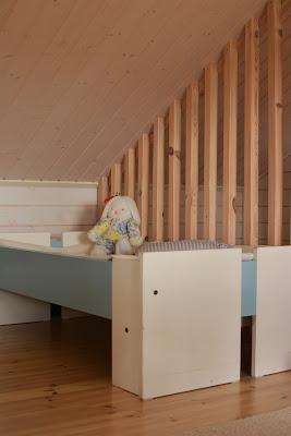Muonamiehen mökki - Muuramen 70-luvun jatkettava lastensänky