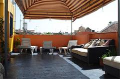 Terraza del Albergue Funky Córdoba. Pincha en la foto para más información