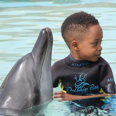 See Cute Zion and Toni Payne in Dubai on Vacay.