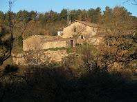 Can Rocanegra des de l'altra banda de la vall